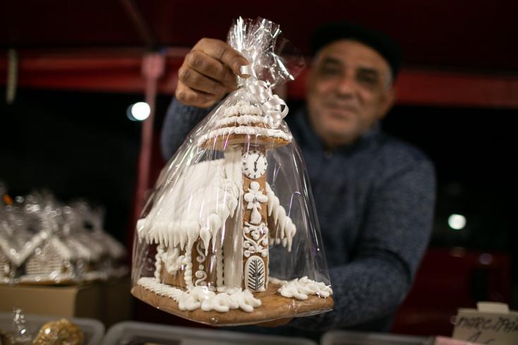 Karácsony előtti nagybevásárlás a komáromi András-napi vásárban (FOTÓK)