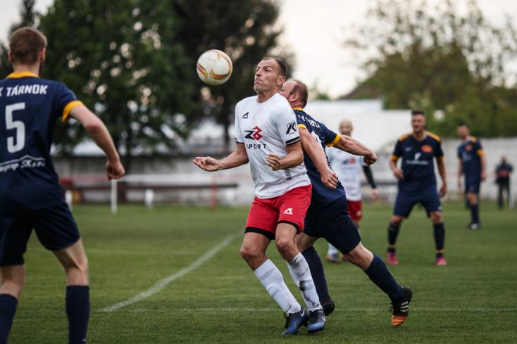 A fociszombat eredményei: Pontosztozkodás a Pomléban, góleső a csallóközi területi bajnokságban