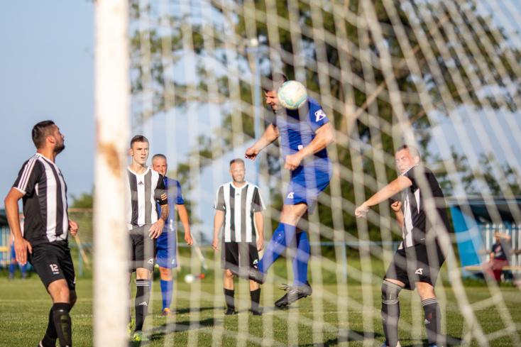 A fociszombat eredményei: A bősiek kétgólos hátrányból egyenlítve raboltak pontot Vágsellyén