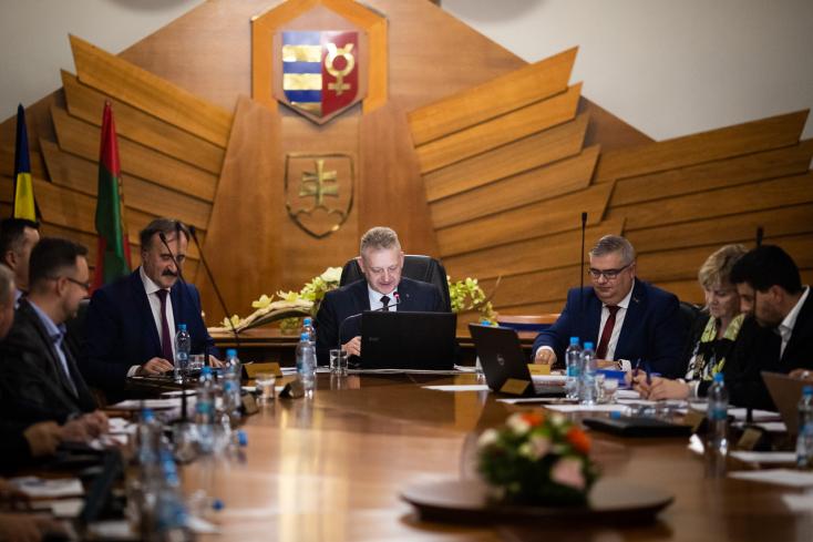 Dunaszerdahely támogatásban részesíti az eperjesieket és a Nyitra melletti buszbaleset áldozatainak hozzátartozóit is