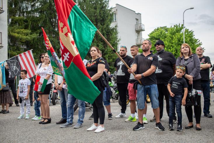 Trianon 100: Dunaszerdahelyről motorokkal és autókkal dübörögtek Párkányig