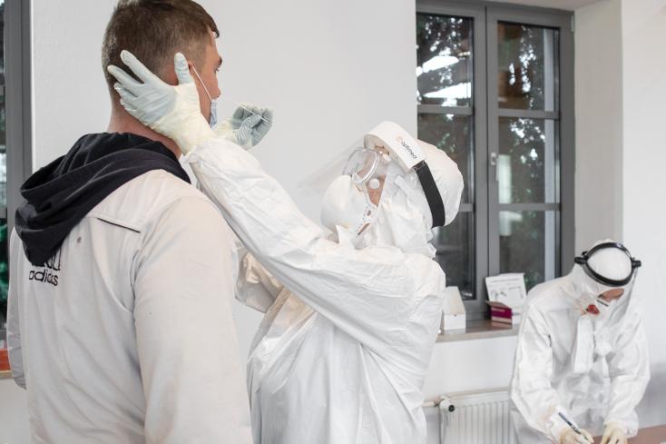 TESZTELÉS: Alig több mint a felére csökkent a pozitív tesztek aránya a Dunaszerdahelyi járásban