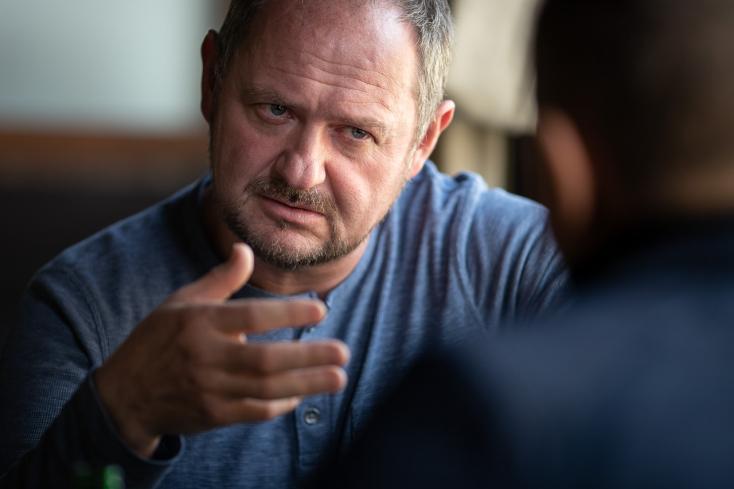 """""""Paraszt vagyok, de szénát nem eszek!"""" - interjú Simon Zsolttal, a Magyar Fórum elnökével"""