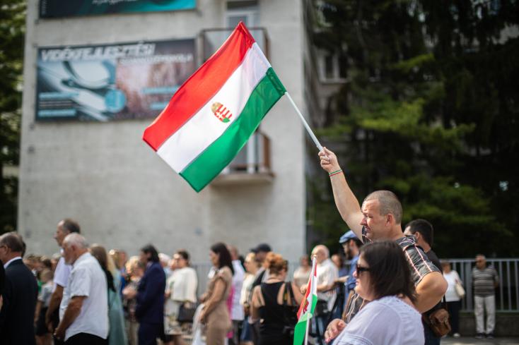 Augusztus 20.: Hájos a szlovák politika kedves arcától, Orbán államtitkára pedig a tudjukkiktől óva intett bennünket Dunaszerdahelyen
