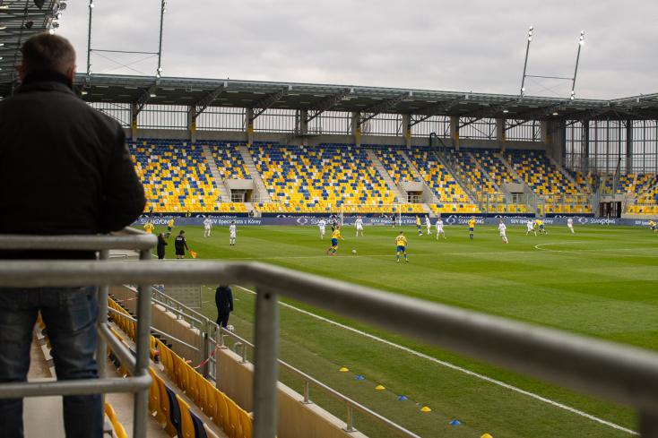 Megszületett a döntés: péntektől a stadionok kapacitásának 50 százalékát foglalhatják el nézők