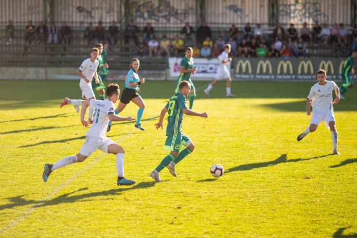 Nyugat-szlovákiai Tipos III. liga, 10. forduló: Vendéglátóként buktak az érsekújváriak és a nagyölvediek