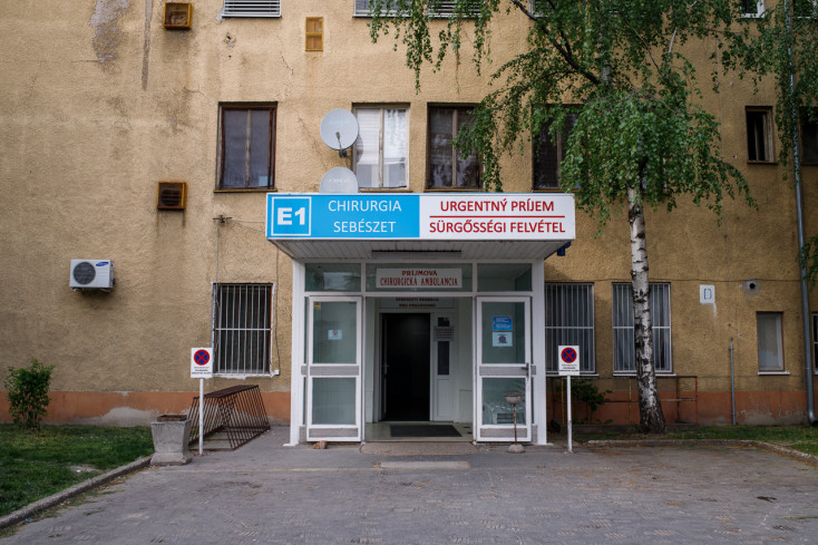 Súlyos állapotban került több fiatalabb fertőzött a komáromi kórházba