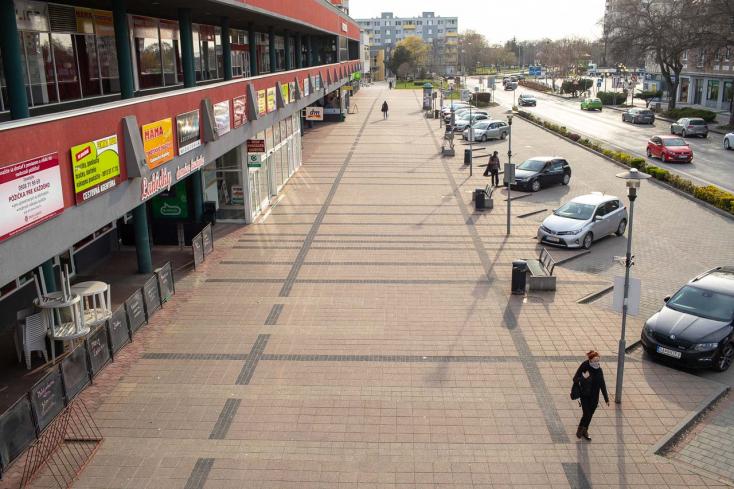 Félszáz új fertőzött a Dunaszerdahelyi járásban, a Galántaiban viszont három számjegyű