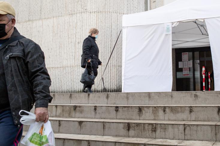 Már ötödik napja tiszta az egyik szlovákiai járás, a Dunaszerdahelyiben találták a negyedik legtöbb fertőzöttet