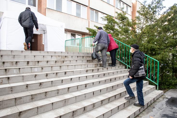 Sok új fertőzöttet találtak a magyarlakta járásokban, a Dunaszerdahelyiben több mint százat!