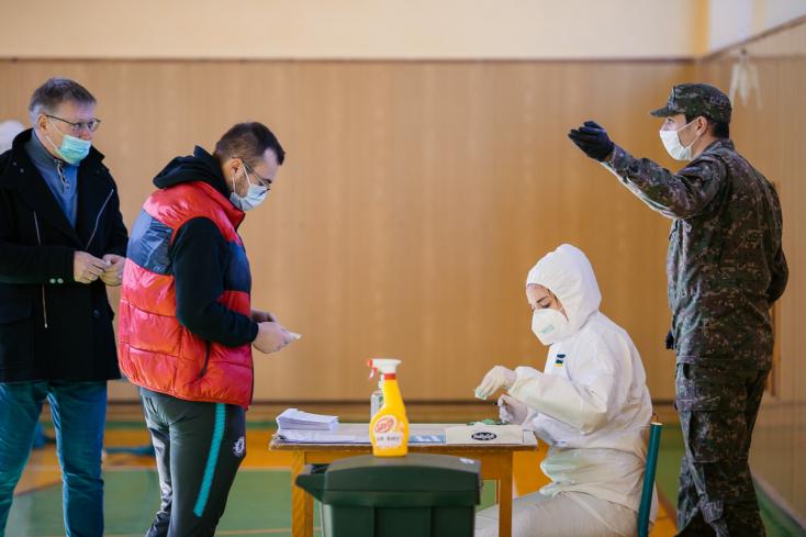 Nem javasolja a szakértői konzílium az újabb országos tesztelést, Krajčí szerint sincs rá okvetlen szükség