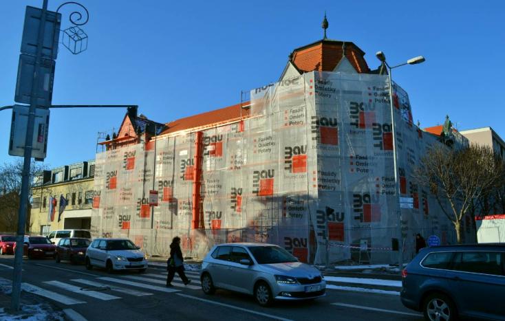 Újabb két hónapot csúszik és drágul a Dunaszerdahelyi Járásbíróság felújítása