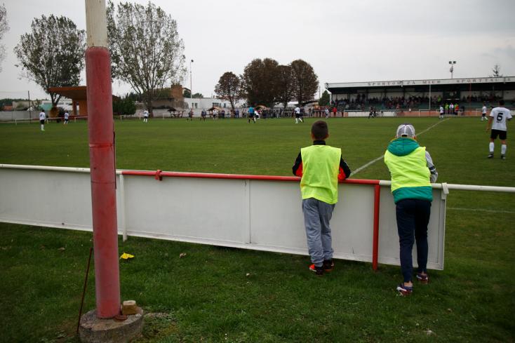 Nyugat-szlovákiai V. liga, Déli csoport, 11. forduló: Pontosztozkodás a Nagyabony–Hodos örökrangadón