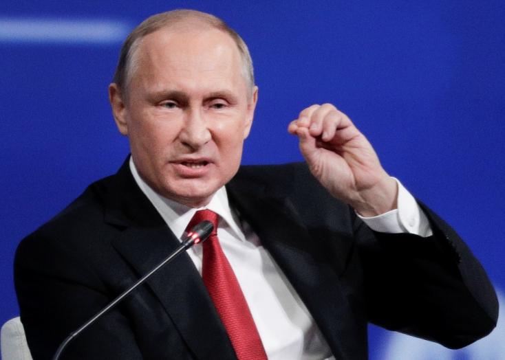 Putyin: Nincs kompromittáló anyagunk Trumpról
