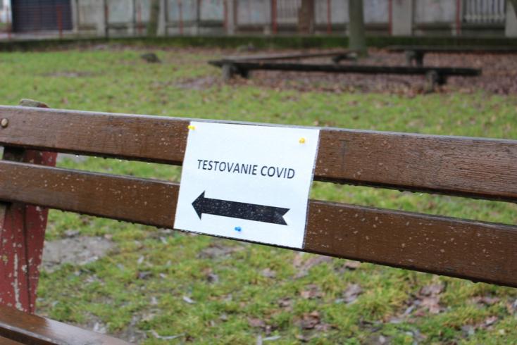 Tesztelés: Egy százalék alatt maradt a pozitivitás Érsekújvárban, egy kisközségben kiugróan magas volt a fertőzöttségi arány