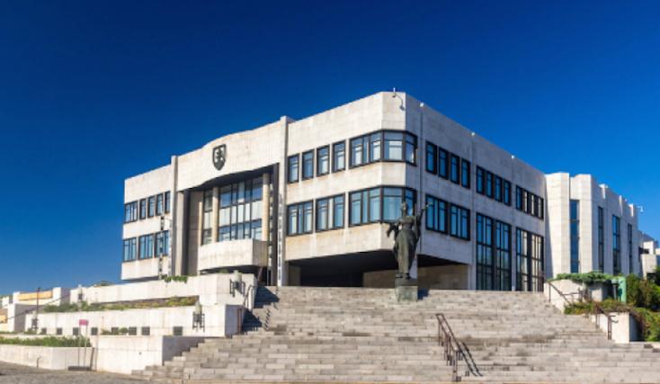 Minden arról szól, hogy Matovič penderítheti ki a kormányból Ficóékat