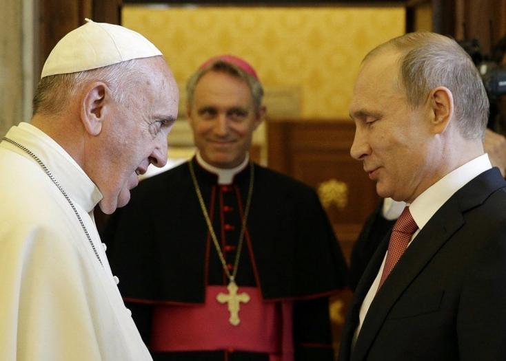 Ferenc pápa találkozik Vlagyimir Putyinnal