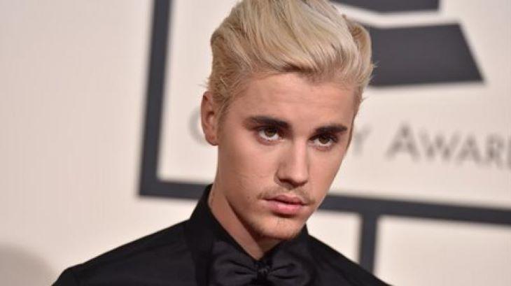 Justin Bieber megdöntötte Elvis Presley 59 éves rekordját