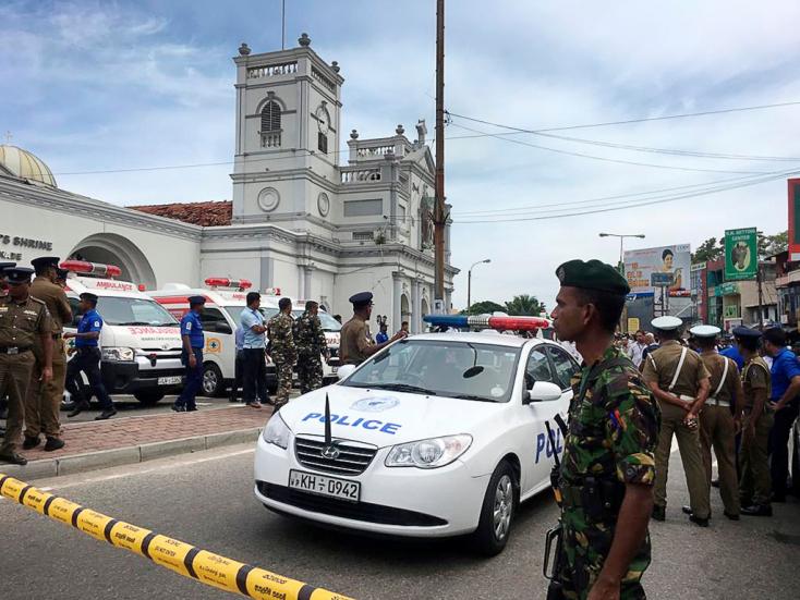 Merényletek Srí Lankán: Százzal kevesebb a halottak száma