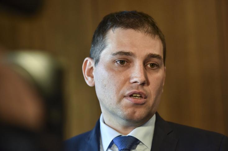 Nem kerül rács mögé Adrián Szabó, a belügyminisztériumi inspekció igazgatója