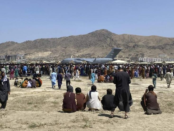 Afgán konfliktus - Több mint 18 ezer embert evakuáltak a tálib hatalomátvétel óta