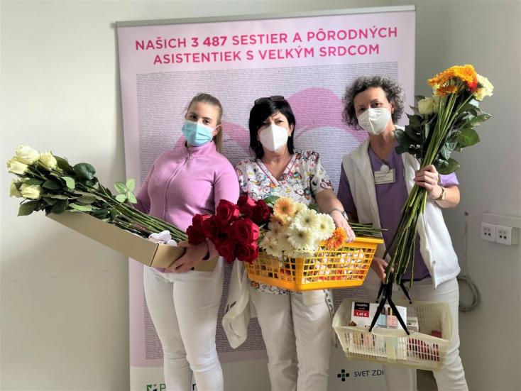 438 egészségügyi dolgozót ajándékoztak ma meg a dunaszerdahelyi kórházban nőnap alkalmából