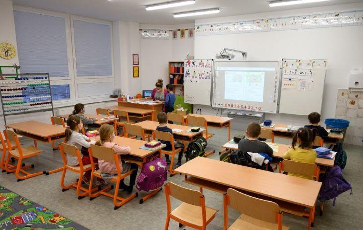 40 millió eurót fordít az oktatásügyi minisztérium az iskolák digitalizálására