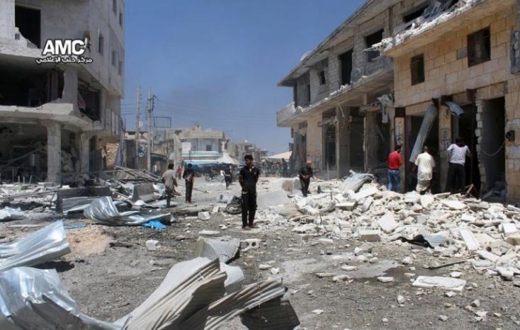 ENSZ: Több civil halt meg egy Aleppó melletti menekülttáborra mért rakétacsapásban