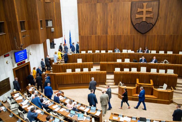 Alkotmánybíró-jelöltek: Bugár nem enged titkosan szavazni, Danko meg egyenesen rápirított a képviselőkre!