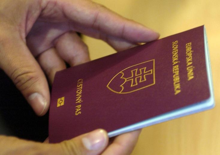 Több cseh, német, osztrák és brit bukta el szlovák állampolgárságát, mint magyar