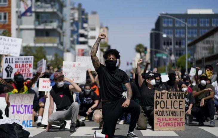 Több amerikai városban zajlottak tüntetések a rendőri erőszak ellen, halálos áldozatok is vannak