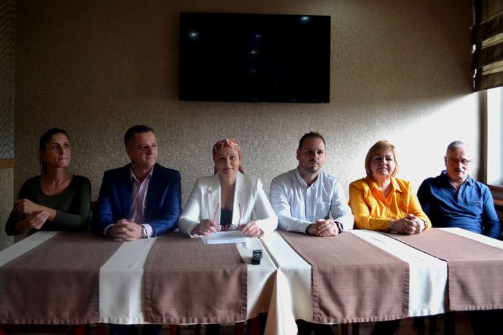 Hat jelenlegi képviselő és összesen 16 jelölt állt Horváth Zoltán mellé Dunaszerdahelyen