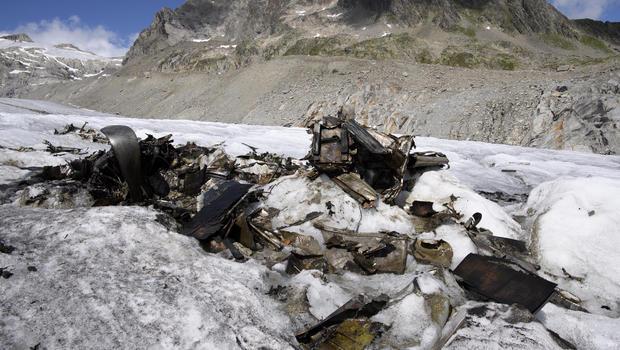 Lehozzák egy 70 évvel ezelőtti repülőbaleset maradványait egy svájci gleccserről