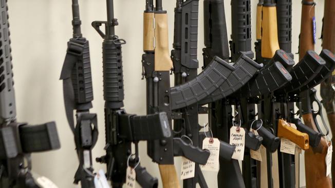 Jóváhagyta a parlament az új-zélandi fegyvertörvény szigorítását