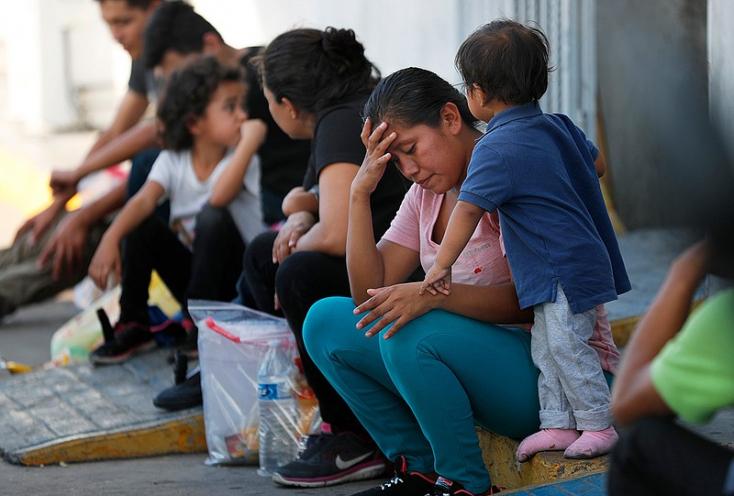 Az amerikai legfelsőbb bíróság jóváhagyta a kormányzat migrációt korlátozó egyik intézkedését