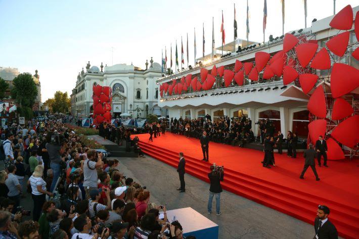 Sztárokkal és hollywoodi filmekkel érkezik a Velencei Filmfesztivál