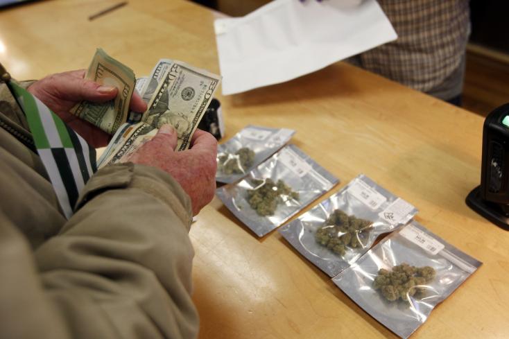 Január 1-jétől legális a marihuána forgalmazása és fogyasztása!