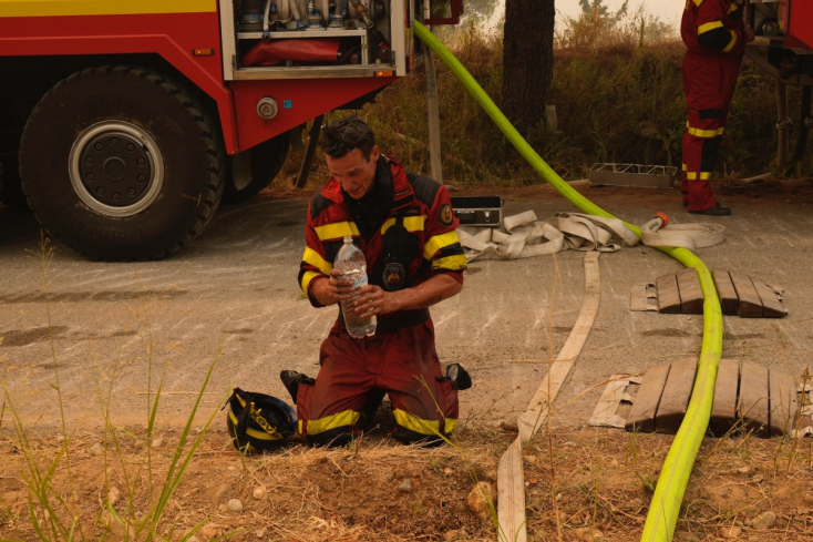 Sikerült megfékezni az erdőtüzeket Görögországban, de a hétvégi erős szél újra felszíthatja a lángokat