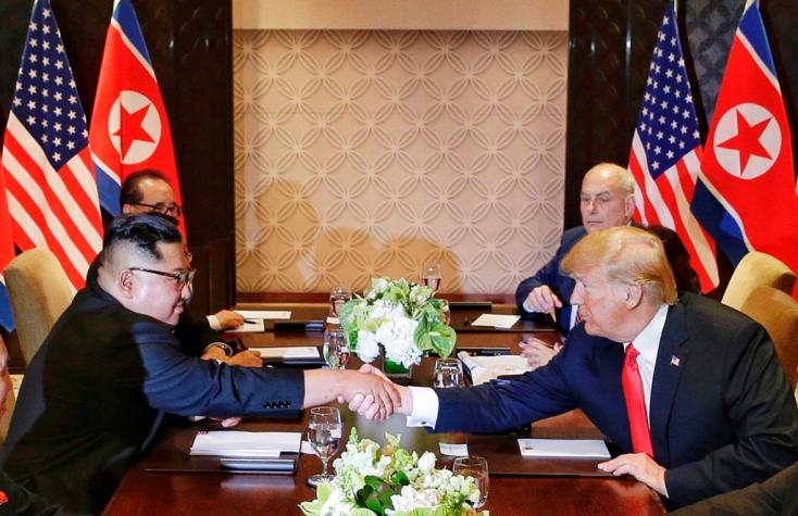 Peking üdvözölte a találkozót, és teljes atommentesítésre szólította fel Észak-Koreát