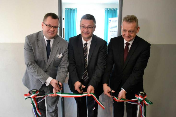 Uniós pályázatokban, fejlesztési projektekben segíti tagtelepüléseit az Arrabona EGTC új dunaszerdahelyi irodája