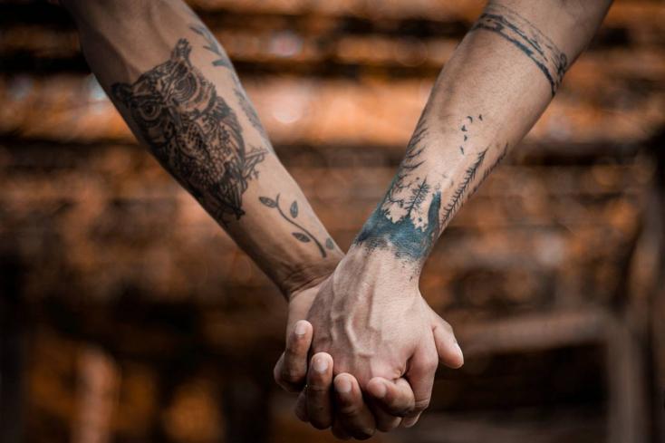 Továbbra is bűncselekménynek számít az azonos neműek közötti szexuális kapcsolat