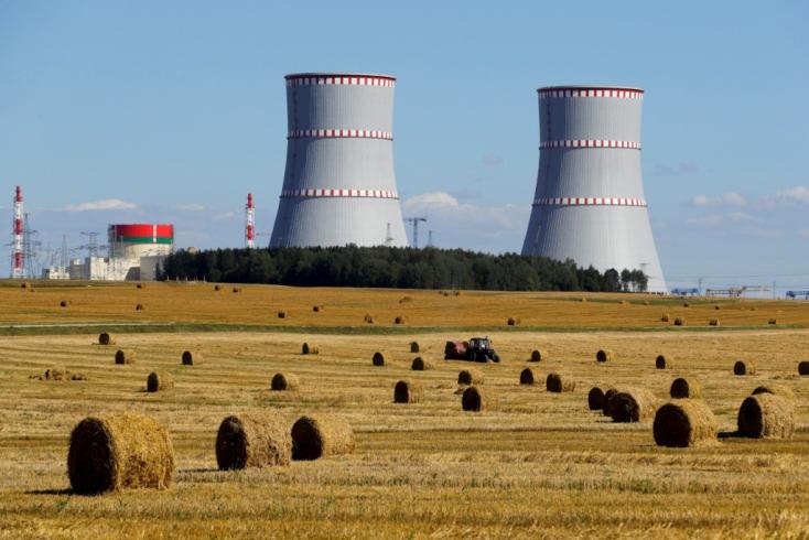 Fehéroroszországban le kellett állítani az oroszok által épített új atomerőmű egyik blokkját