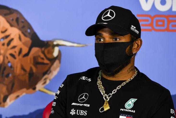 Hamilton több pénzt akar, mint amennyit a Mercedes kínál neki