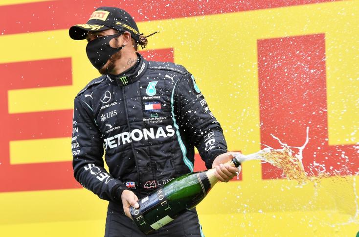 Stájer Nagydíj: Hamilton rajt-cél győzelmet aratott