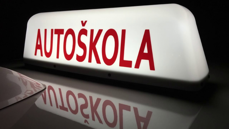 A NAKA vitt el két tagot, akik 540 eurót perkáltak az autósuliért