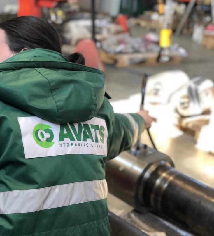Az AVATS cég CNC gépek kezelésében jártas dolgozókat és segédmunkást felvesz!