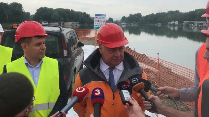A környezetvédelmi és a közlekedésügyi miniszter ellenőrizte a D4R7 építését