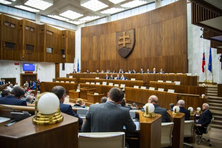 Jóváhagyta a kormány a korrupcióellenes programot