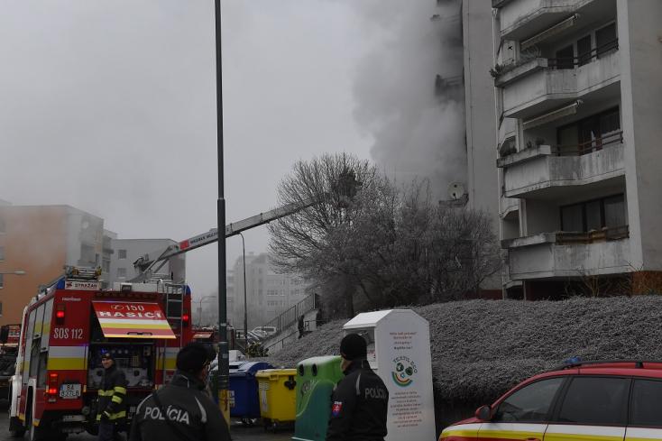 Gázrobbanás történt a pozsonyi Óvárosban, evakuálják a lakókat (VIDEÓ)