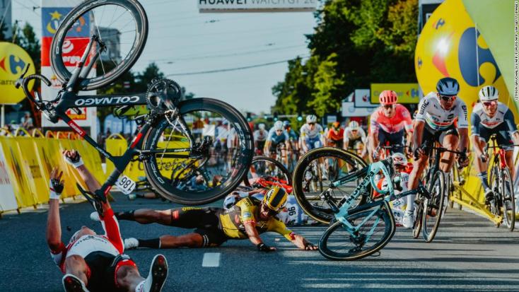 Halálos fenyegetéseket kap a horrorbalesetet okozó holland kerékpáros